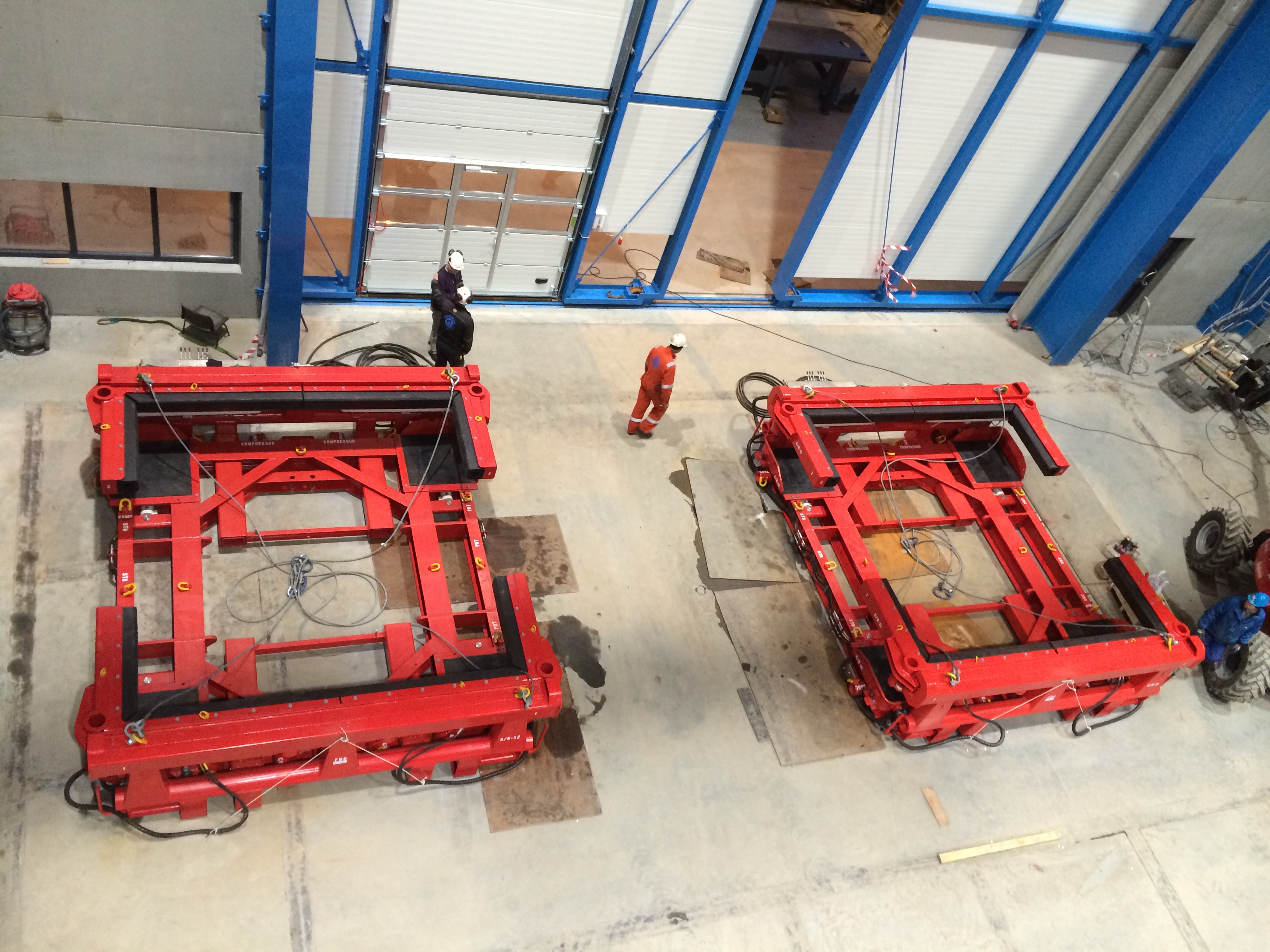 Picture of two Skidding Pallets